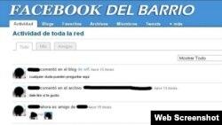 Sin internet, pero el barrio se conecta: En la pantalla, un clon cubano de Facebook en acción.