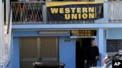 Oficina de Western Union en Cuba. Foto Archivo AP Photo/Franklin Reyes