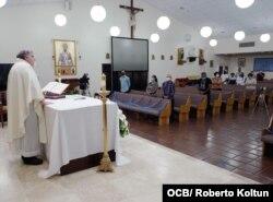 Oraciones en la iglesia San Lázaro