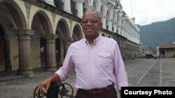 Entrevista con el periodista venezolano Gustavo Azócar