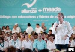 El oficialista José Antonio Meade continua su gira política en el estado de Yucatán.