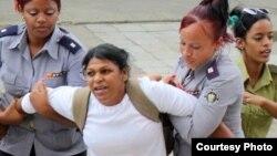 La Dama de Blanco Martha Sánchez cumple una condena de 4 años y medio de cárcel. (Archivo)