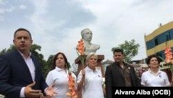 Exiliados rinden tributo a José Martí en Lima