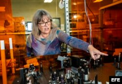 La canadiense Donna Strickland, profesora asociada en el a universidad de Waterloo.
