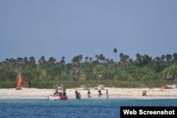 Cubanos dispuestos a abordar embarcación de guardia costera en Cayo Sal, Bahamas