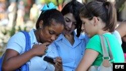 Jóvenes de Holguín coinciden en deseo de tener acceso libre a Internet