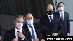 Antony Blinken y otros cancilleres de la OTAN, reunidos el 23 de marzo de 2021 en Bruselas. (Yves Herman / AFP).