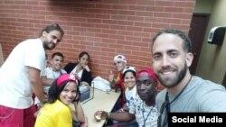 Jóvenes católicos cubanos llegan a Panamá para Jornada Mundial de la Juventud.