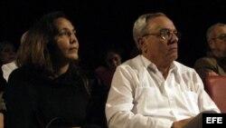 En esta foto de archivo, Mariela Castro y el historiador Eusebio Leal.