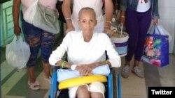 Xiomara Cruz Mirada a la salida el viernes del Hospital Clínico Quirúrgico Dr. Miguel Enríquez