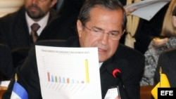 El canciller de Ecuador, Ricardo Patiño, interviniendo ante la Asamblea General de la Organización de Estados Americanos (OEA).