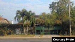 La vivienda en la zona congelada de Santa Fe de Jorge Emilio Pérez, buscado en EEUU, fue totalmente reconstruida (Cubanet).