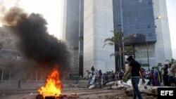 Enfrentamientos entre opositores y la policía venezolana