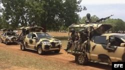 Soldados nigerianos destacados para luchar contra los radicales islámicos.