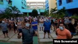 Argentinos atrapados en el Hotel Tulipán. Tomado de un video de El Tribuno.