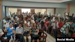Miembros de la Iglesia Cristiana Pentecostal de Cuba. @facebook.com/icpcuba