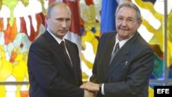Vladimir Putin y Raúl Castro, en Cuba. Archivo.