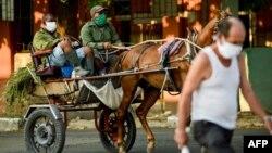 Una imagen tomada en una calle de La Habana el 17 de abril (Yamil Lage/AFP).