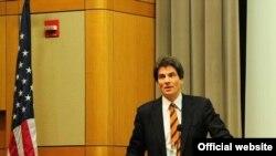 José Fernández, en un evento organizado por el Departamento de Estado