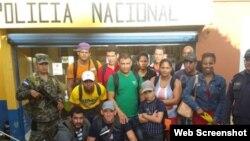 Grupo de cubanos retenidos en Honduras el 24 de noviembre, 2015.