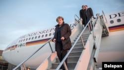 La canciller alemana Angela Merkel llega a Washington DC.
