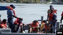 Confirman que 10 cubano serán deportados