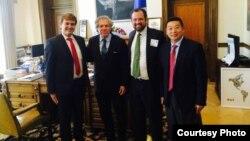 Miembros de Justice Cuba se reúnen con el secretario general de la OEA Luis Almagro.