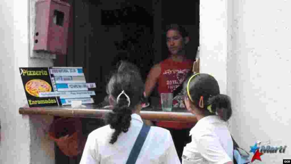 En la calle Enramada de Santiago de Cuba se encuentra la mayor concentración de cuentapropistas.