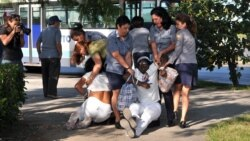 Decomisan radios y papelería en vivienda de activistas de Holguín