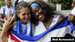 Cubanos recién excarcelados.