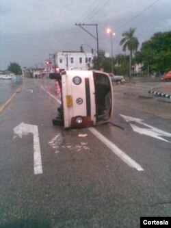 Auto de Oswaldo Payá tras el accidente de junio pasado
