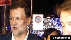 Momento tras la agesión en Pontevedra, Mariano Rajoy sin sus gafas y con el rostro magullado.