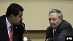 Raúl Castro y Nicolás Maduro. Archivo.