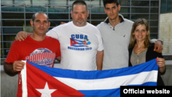 Cubanos en los juegos macabeos de derecha a izquierda los hermanos Roxana y Rafael González