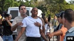 Régimen presiona a opositores para que se vayan del país