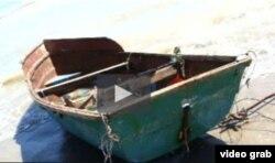 De Isla de Pinos a Texas: cuando el motor falló los seis cubanos usaron una cortina de baño como vela.