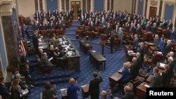Toma de juramento a senadores para iniciar juicio político al presidente Donald J. Trump.