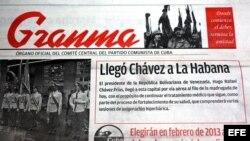 Granma informa en una escueta nota la llegada de Hugo Chávez a La Habana.