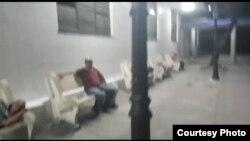 Desamparados duermen en la terminal de ómnibus de Santa Clara