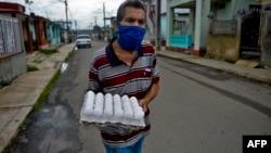Escena captada el 18 de junio en una calle de San José de las Lajas, en la provincia de Mayabeque (Archivo/Yamil Lage/AFP).