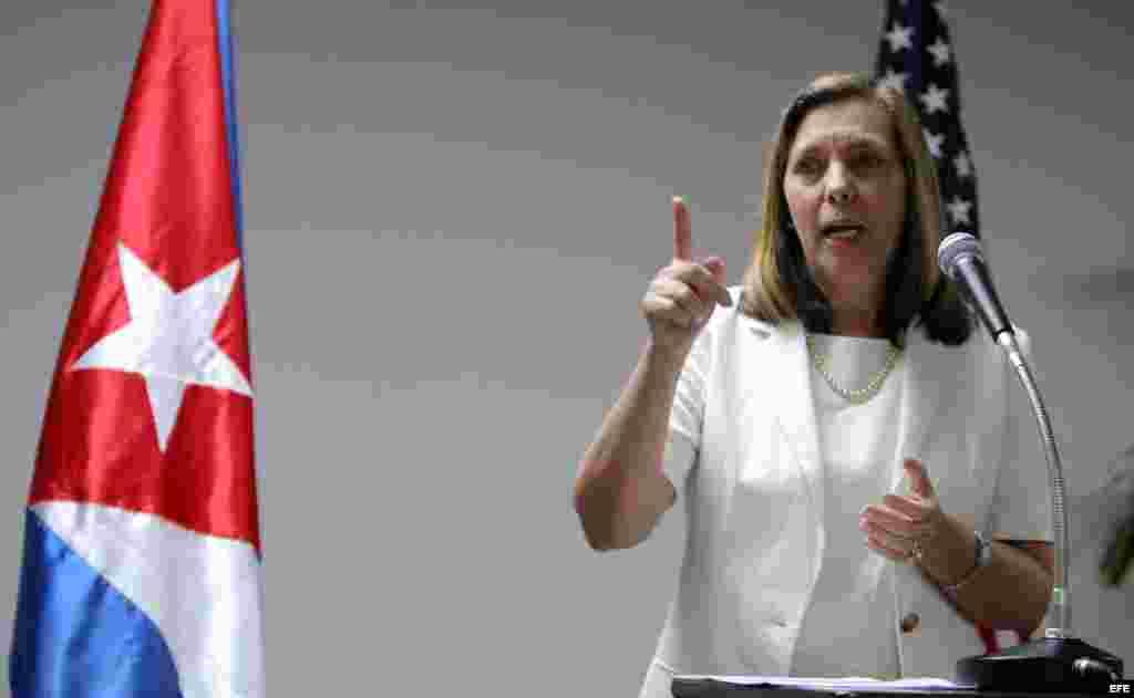 La directora del departamento Estados Unidos del Ministerio de Relaciones Exteriores de Cuba, Josefina Vidal.