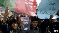 Protestas en Pakistán por la muerte del clérigo saudí.