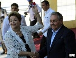 Dilma Rousseff y Raúl Castro inauguran la terminal de contenedores del Mariel, construida por Odebrecht, en enero de 2014.