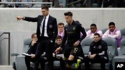 El mánager de Inter Miami CF Diego Alonso da instrucciones al equipo. AP Photo/Marcio Jose Sanchez