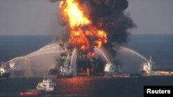 A pesar de las nuevas medidas de seguridad las perforaciones en aguas profundas siguen siendo riesgosas.