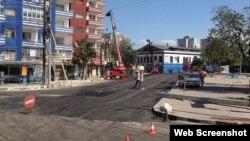 Reparación de una calle aledaña al estadio Latinoamericano.