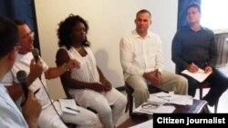 Reporta Cuba. Foro DyL reunido el 18 de septiembre previo a la visita del Papa. Foto: Ailer González.