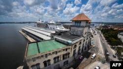 Vista de la terminal de cruceros en el Puerto de La Habana.