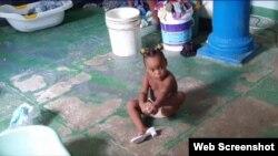 """Las mujeres solo reclaman """"un techo para sus hijos"""". (Captura de Video/Cubanet)"""