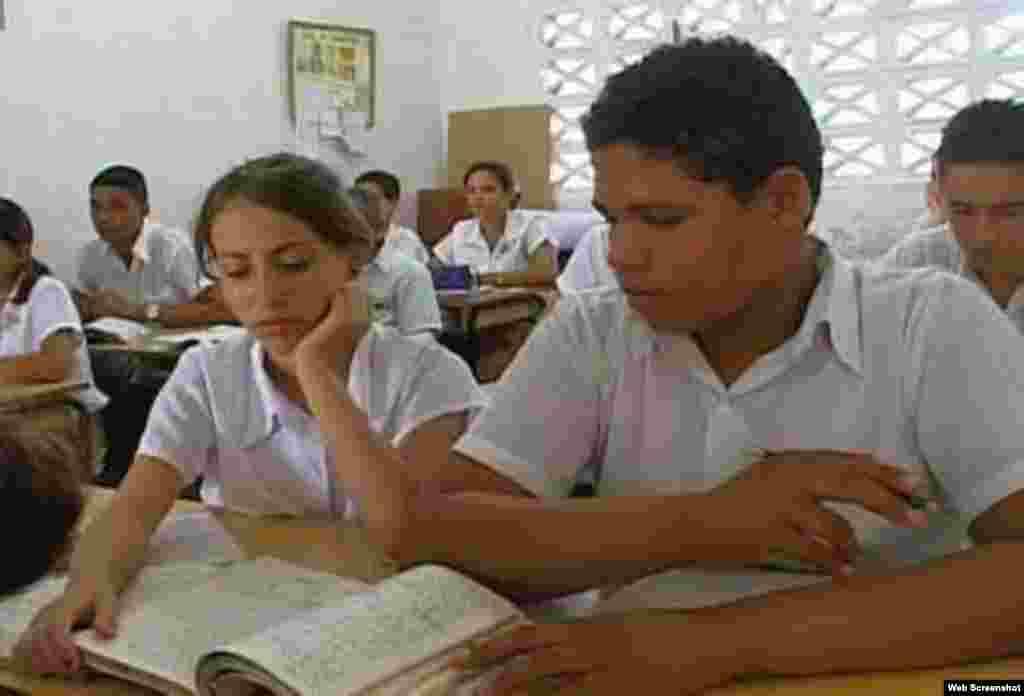 Cuba preparativos curso escolar 2013-2014